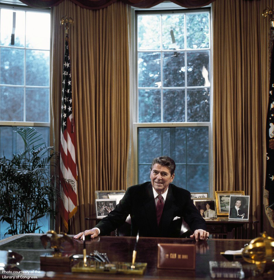 Reagan-oval-office-library-of-congr